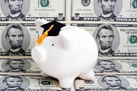 Image of piggy bank with graduation cap for story on financial aid