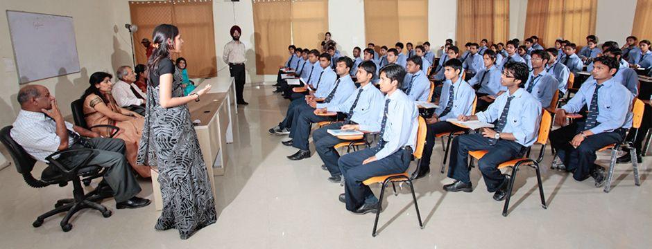 show guru nanak college