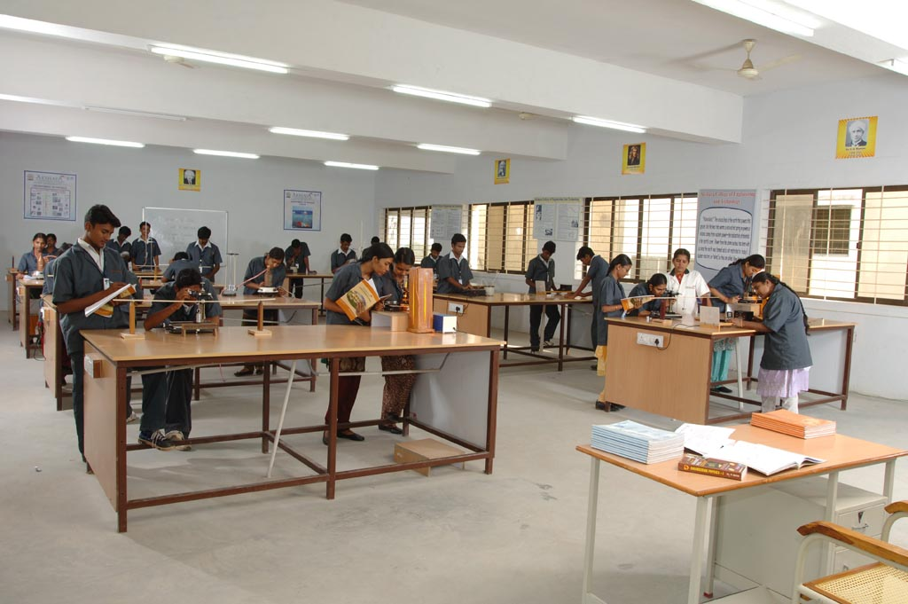 High School Physics Classroom Design : Akshaya college of engineering and technology